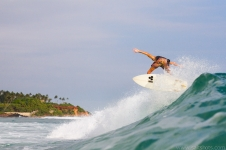 sri-lanka-surfing-and-waves-30