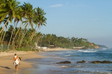 sri-lanka-surfing-and-waves