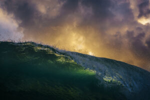 storm waves cornwall surfing